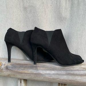 Unisa Black Suade Booties Size 8 1/2